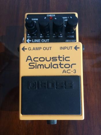 effetto acoustic simulator boss